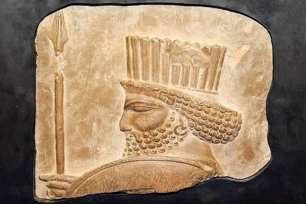 سردیس سربازهخامنشی در موزه بزرگ خراسان به نمایش گذاشته شد