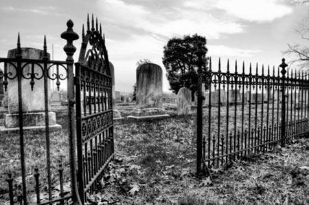 ترسناک ترین گورستان جهان ، همه چیز درباره مکانی که کابوس مردم کانزاس بود!