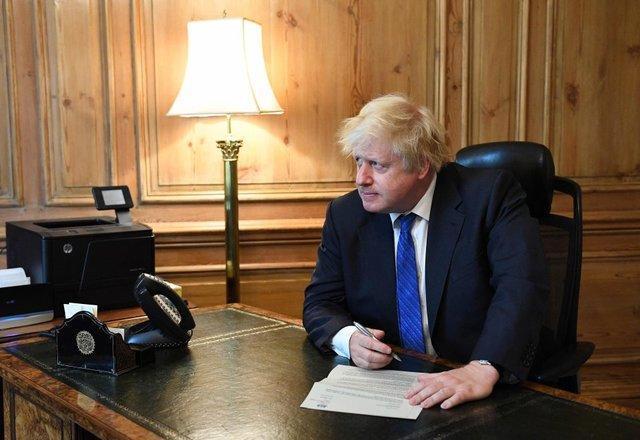 سه وزیر انگلیس کناره گیری می کنند