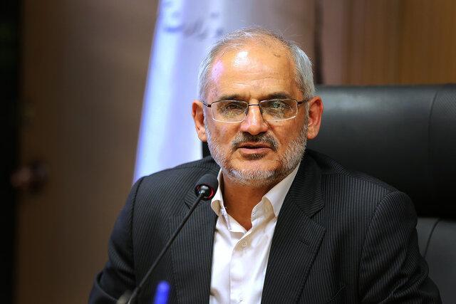 حاجی میرزایی: عضو هیچ حزب و گروه سیاسی نیستم