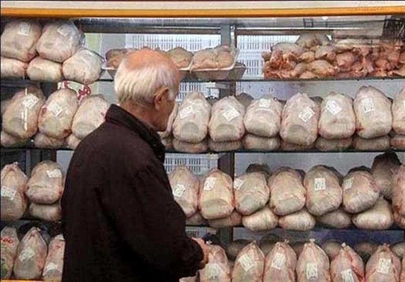 افت 300 تومانی نرخ مرغ در بازار، قیمت مرغ به 13 هزار و 800 تومان رسید