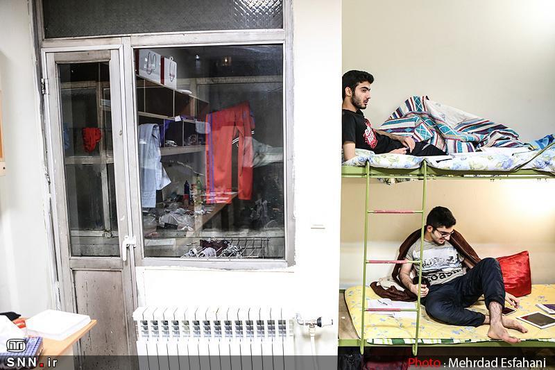 معضلات زندگی خوابگاهی در میزگرد دانشجویی دانشگاه باهنر کرمان آنالیز شد