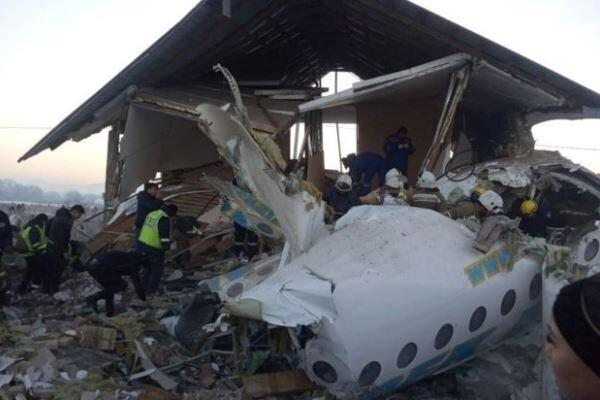 هواپیمای مسافربری قزاقستان با 98 سرنشین سقوط کرد