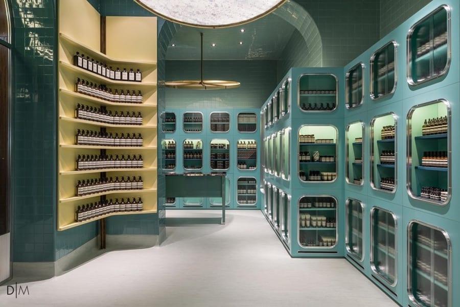 طراحی داخلی متفاوت فروشگاه محصولات مراقبت از پوست