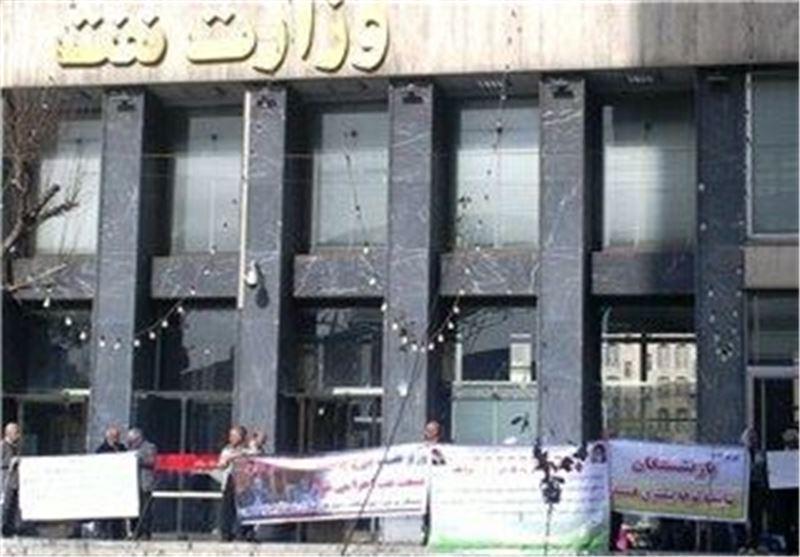 درخواست بازنشستگان پالایشگاه آبادان از وزیر نفت: مشکل مسکن ما را حل کنید
