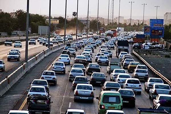 27 اسفند؛ ترافیک سنگین در بزرگراه قم، چالوس و کرج