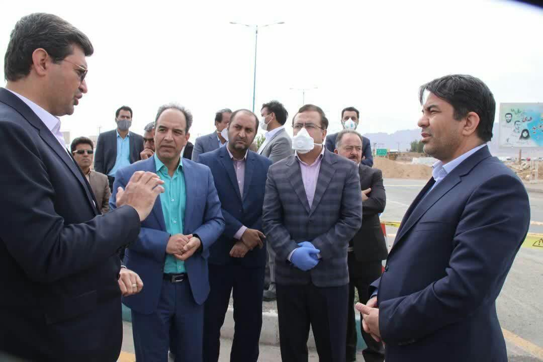 خبرنگاران استاندار از مبادی ورودی و خروجی شهر یزد بازدید کرد