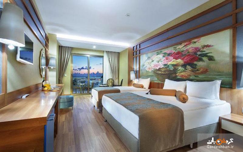 زافیرا دلوکس ریزورت آلانیا؛ هتلی 5 ستاره با چشم انداز استخر و کوه