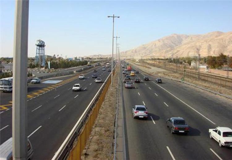 حریق فضای سبز در محدوده اتوبان تهران-کرج