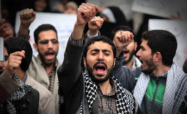 دانشجویان و اعتراضات مردمی