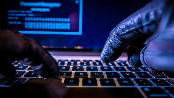 فیشینگ اطلاعات با تله آفیس و مسنجر فیس بوک