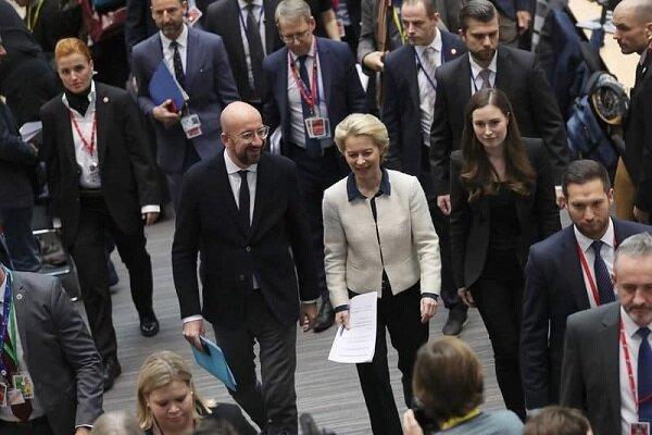 اتحادیه اروپا تصویب توافق تجاری با انگلیس را به تعویق انداخت خبرنگاران