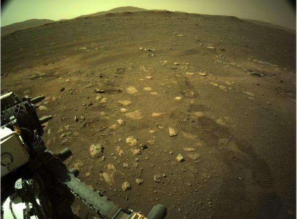 مریخ نورد جدید ناسا برای اولین بار به حرکت درآمد مریخ نورد جدید ناسا برای اولین بار به حرکت درآمد
