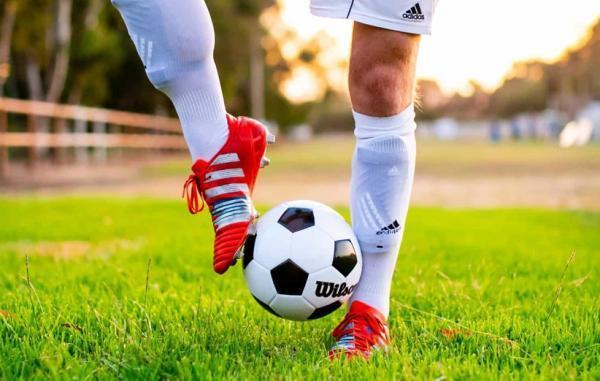 راهنمای خرید برترین توپ فوتبال بر اساس بودجه های مختلف
