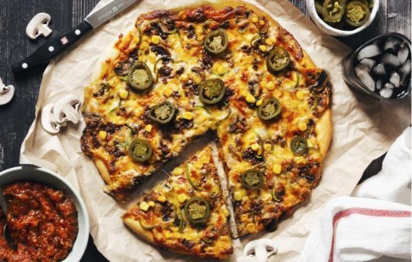 طرز تهیه پیتزای مکزیکی با سس سالسای ویژه